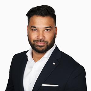 Royston Fernandes, Commercial Lines Account Manager, McConville Omni Insurance Brokers in London, Ontario
